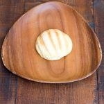 さくさくのメロンの皮と甘めの菓子パン生地でおやつにぴったり!