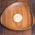 ふわふわの生地にスモークチーズとカマンベールチーズ使用。スモーキーな風味!