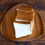 もっちリ味わい深い 店一番の人気のパンです。種を一晩熟成して中種方式で作りました。