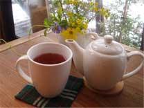 紅茶(HOT) (ダージリン・アールグレイ) 250円(税別)