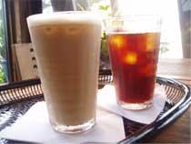 アイスカフェラテ 280円(税別) アイスコーヒー  280円(税別)
